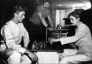 david bowie vs catherine deneuve chess in the hunger