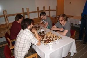 Kopenhagen - Lennert en Tanguy naast elkaar in een blitz-wedstrijd